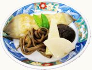 地魚の煮つけと地元野菜の炊き合わせ