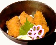 鰤カツ丼・特製ソース仕立て