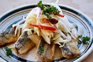 地魚のピリ辛カレーマリネ
